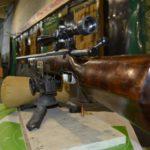 Винтовка в станке для стрельбы